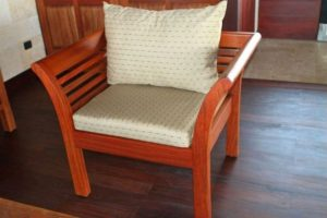phf2016-curved-hardwood-chair