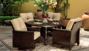 phf2016-french-quarter-cushioned-dining