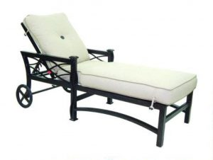 phf2016-la-reserve-cushioned-chaise-lounge
