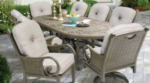 phf2016-riviera-deep-cushioned-dining