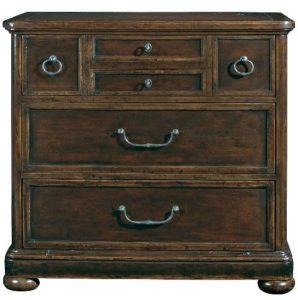 phf2016-vintage-patina-bachelors-chest