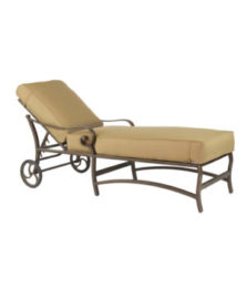 Veracruz Cushioned Chaise Lounge