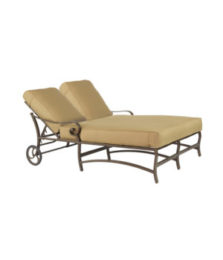 Veracruz Cushioned Double Chaise Lounge