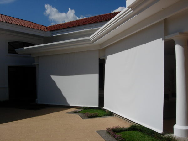 Enjoy outdoor living with water proof, washable, sun blocking roller blinds. We install anywhere in Costa Rica. Made of PVC, 100% Washable, Blocks Sun.